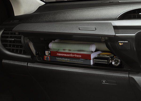 Toyota Hilux Revo Standard